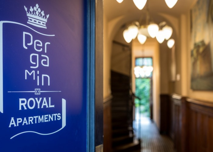 Pergamin Royal Apartments